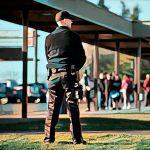 Кто должен оплачивать охрану в школе по закону?